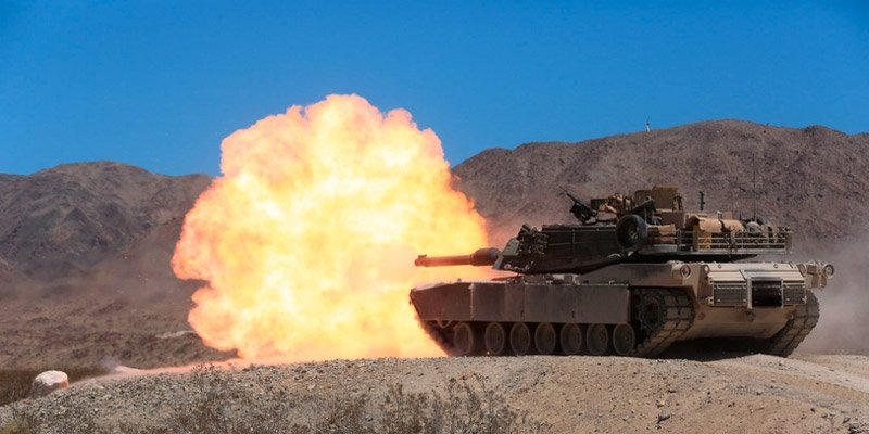 xe tang m1 abrams. (anh: thuy quan luc chien my)