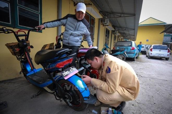 Lý do kiến nghị lùi thời hạn đăng ký xe máy điện?