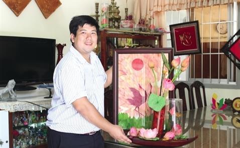 mot doanh nghiep khoi nghiep da thanh cong trong viec mang hoa sen viet nam sang phap duoi dang say kho.