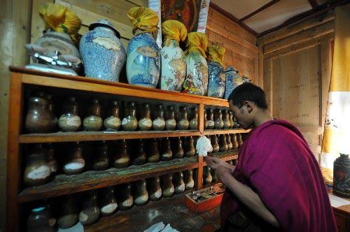 Y thuật Tây Tạng: Những phương pháp chữa bệnh bí ẩn