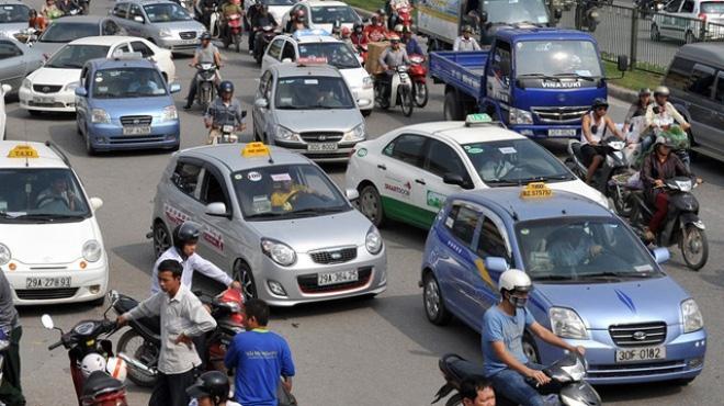 'Yếu kém nhất của doanh nghiệp taxi là bán xe cổ phần'